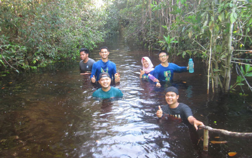 ASRI kids enjoying their time in the rainforest during one of the program's field trips